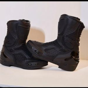 Women icon motorcycle boots